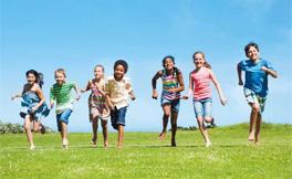 冬休み・春休みの留学 | 午前中は英語、午後は様々なアクティビティーに参加するプログラムを多数用意しています。この時期、真夏のオーストラリア・ニュージーランドは一押しです!