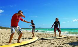 サマースクール | 夏休みの期間を使ってクオリティーを重視した1~8週間の短期留学プログラムを多数ご用意しています。