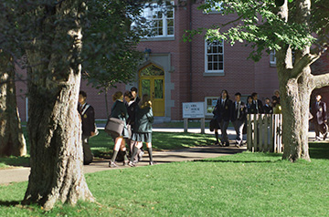 学校の中庭